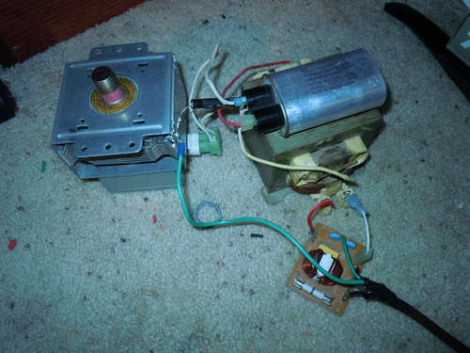 Microondas hace corto circuito