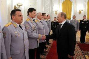 Putin se reúne nível sênior russo comandantes militares.