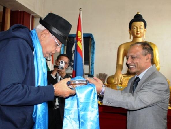 Dr Farooq Abdullah visited Pethub Monastery -Scoop News