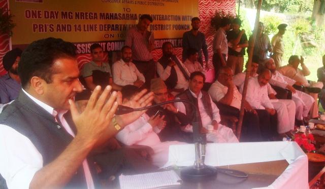 Chairman , (AJKPC), Shafiq Mir addressing a public gatherig