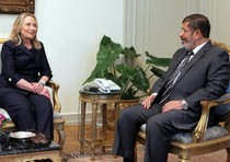 """Hillary Clinton and former President Morsi sit down after US pledges billions of dollars in support of the regime and Morsi - who maintained links with al-Qaeda leader at the same time. Question was US supporting terrorism - however indirectly in this case? Answer """"Yes"""" it was?"""