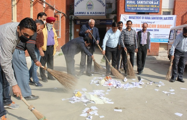 Mission Swachh Bharat lunched in Kashmir