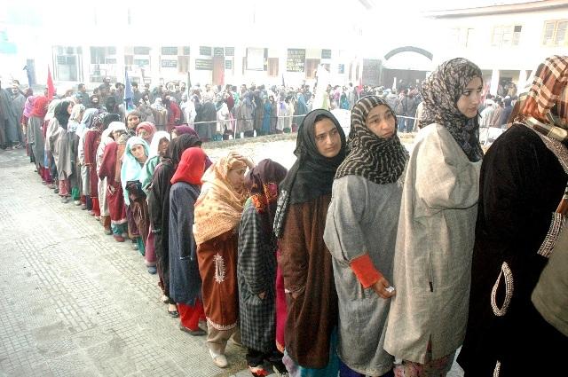 VOTERS IN HANDWARA