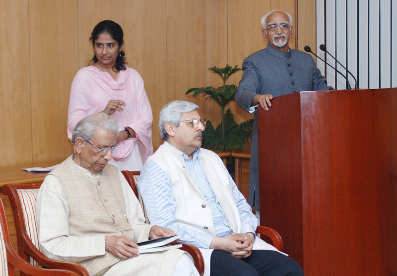The Vice President, Mr. Mohd. Hamid Ansari releasing the Hindi Translation of the book of late Dr. Narendra Dabholkar titled 'Andhvishwas Unmoolan, Aachaar-Volume 1, Vichaar- Volume 2, Sidhhanth-Volume 3', in New Delhi on February 27, 2015.