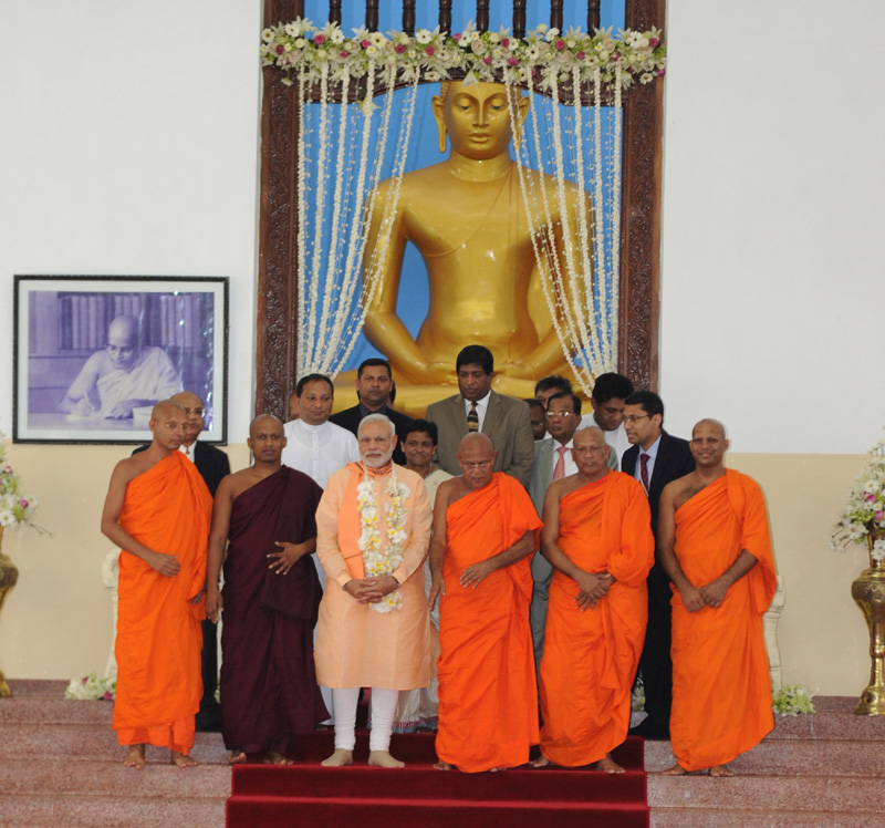The Prime Minister, Mr. Narendra Modi at the Mahabodhi Society, in Colombo, Sri Lanka on March 13, 2015.