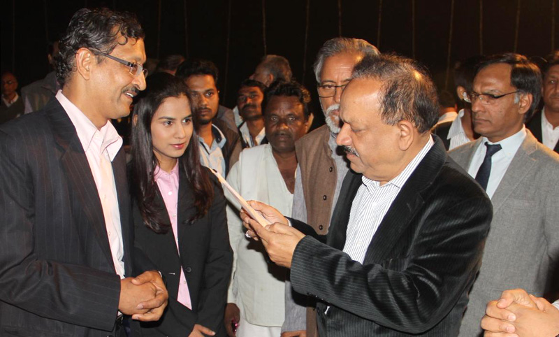 The Union Minister for Science & Technology and Earth Sciences, Dr. Harsh Vardhan interacting with the winners of the 8th National Biennial Awards for Grassroots Innovations and outstanding traditional knowledge instituted by the National Innovation Foundation of India, in New Delhi on March 11, 2015. (File Photo)