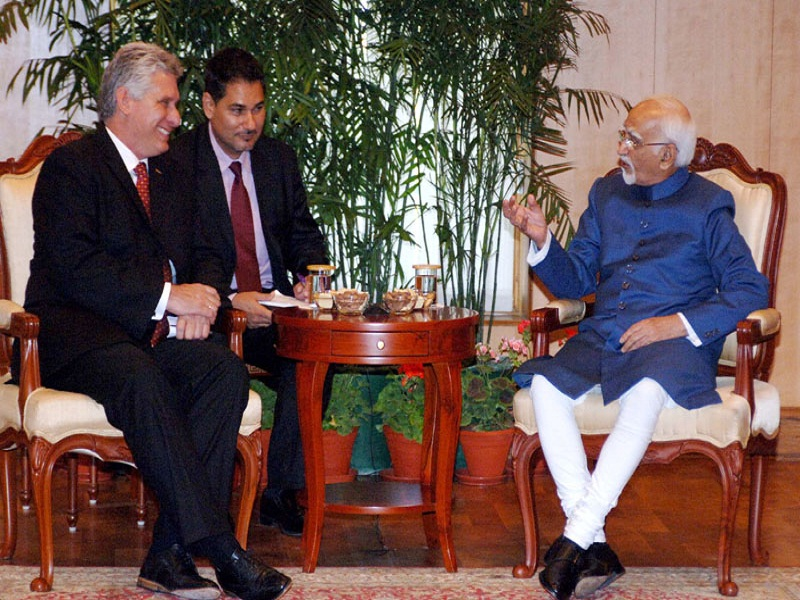 The First Vice President of Republic of Cuba, Mr. Miguel Diaz-Canel Bermudez Mario meeting the Vice President, Mr. Mohd. Hamid Ansari, in New Delhi on March 23, 2015.