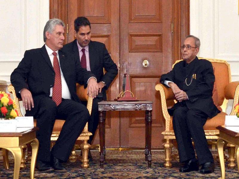 The First Vice President of Republic of Cuba, Mr. Miguel Diaz-Canel Bermudez Mario calling on the President, Mr. Pranab Mukherjee, at Rashtrapati Bhavan, in New Delhi on March 23, 2015.