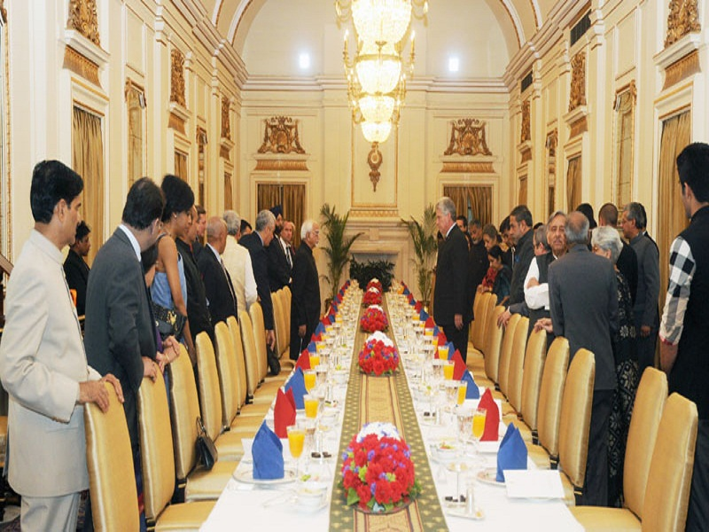 The Vice President, Mr. Mohammad Hamid Ansari hosted a banquet in honor of the First Vice President of Republic of Cuba, Mr. Miguel Diaz-Canel Bermudez Mario, in New Delhi on March 23, 2015.