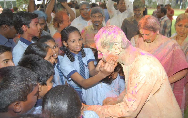 Mr. ESL Narasimhan, Governor of Telangana, participating in Holi Celebrations at Raj Bhavan, Hyderabad on 06-03-2015.