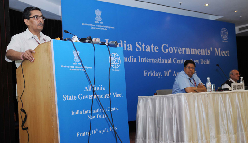 The Secretary, Ministry of Road Transport and Highways, Mr. Vijay Chhibber addressing at the inauguration of the All India State Government's Meet on Road Safety concerns, in New Delhi on April 10, 2015.