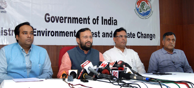 The Minister of State for Environment, Forest and Climate Change (Independent Charge), Mr. Prakash Javadekar briefing the press on the meeting of the Environment Ministers of National Capital Region, (NCR), in New Delhi on April 13, 2015.
