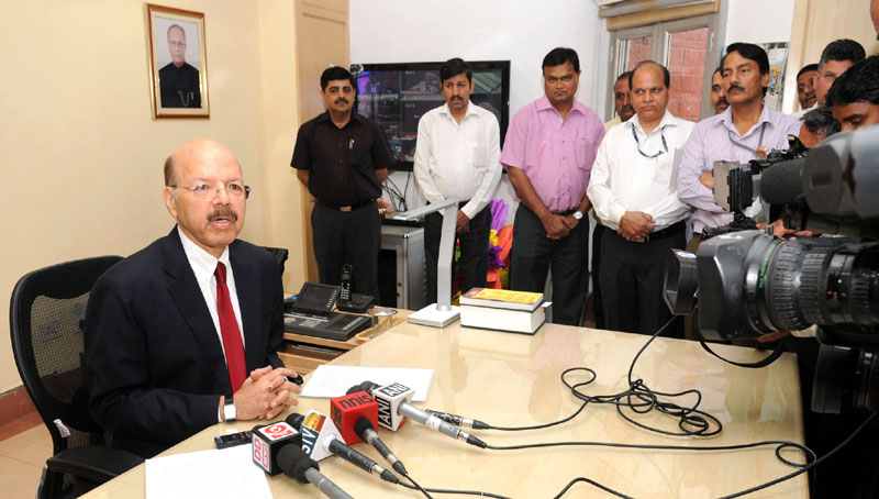 Dr. Nasim Zaidi addressing the media after taking charge as the Chief Election Commissioner of India (CEC), in New Delhi on April 19, 2015.