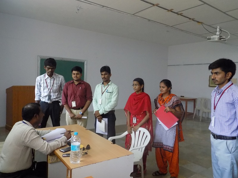 Brach Manager of SBI Life Insurance Mr. BV Raghavulu with the students of MBA after the selection in VITS Campus Placement Drive, Proddatur on 28-04-2015.