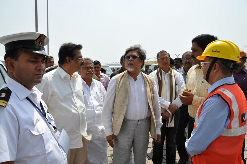 Chairman Dr. Chandan Mitra and Members of Parliamentary Standing Committee visit Vizag Port Trust in Visakhapatnam on 25-05-2015.