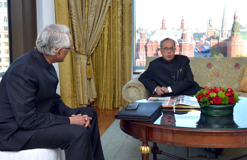 The President, Mr. Pranab Mukherjee in conversation with the Ambassador of India to Russia, Mr. P.S. Raghavan, in Moscow, Russia on May 07, 2015.
