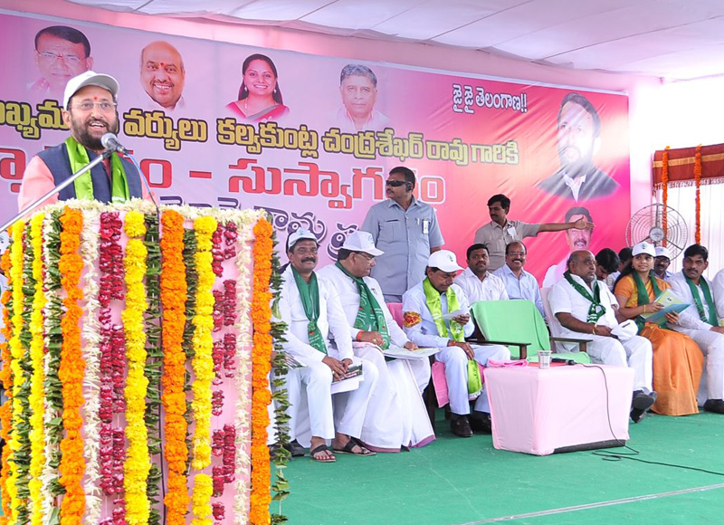 The Minister of State for Environment, Forest and Climate Change (Independent Charge), Mr. Prakash Javadekar addressing at a massive sapling plantation drive function, in Velpur Village, Nizamabad District, Telangana on July 06, 2015.